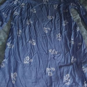 Large Old Navy blouse with floral design